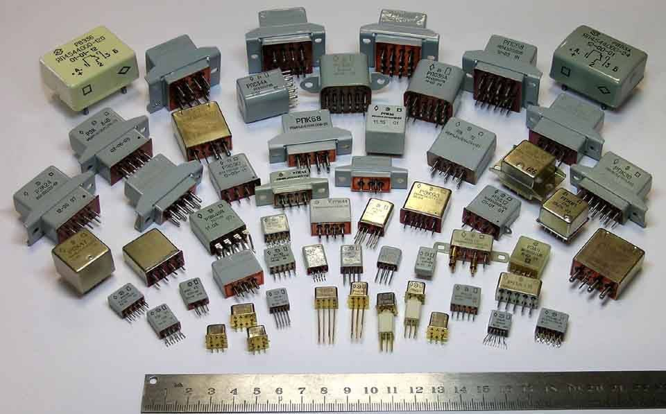 Технический сплав металла находится в некоторых радиодеталях