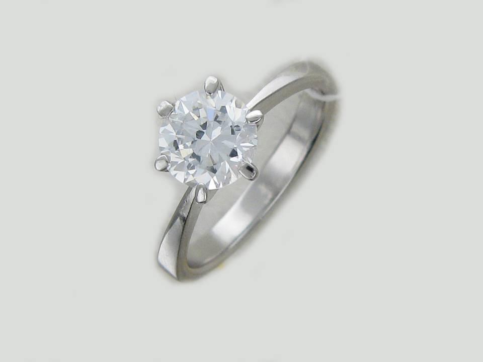 Камень отлично сочетается с серебром