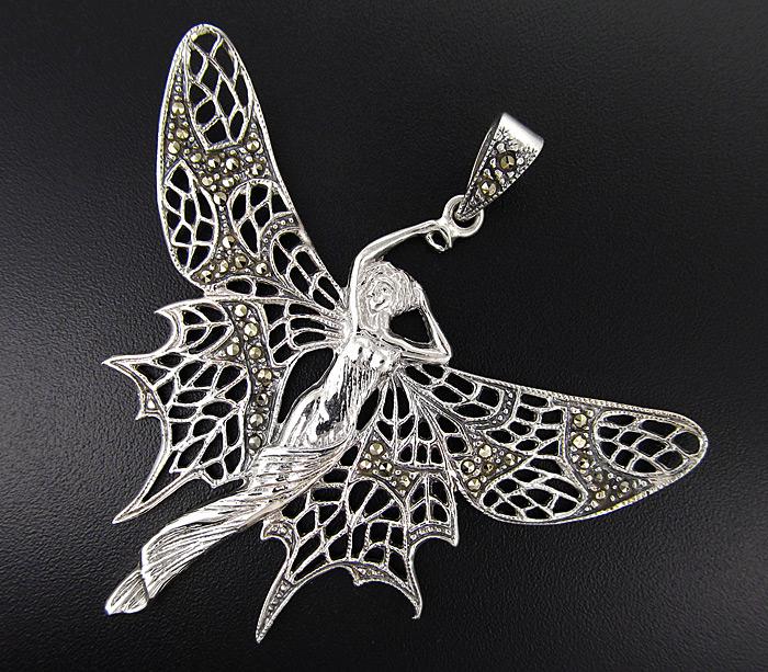 Стильный кулон бабочка