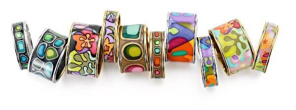 Разноцветные кольца из серебра