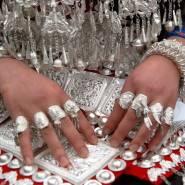 Украшения из серебра очень любят женщины и мужчины