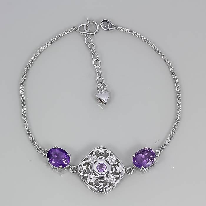 Драгоценные камни хорошо сочетаются с серебром