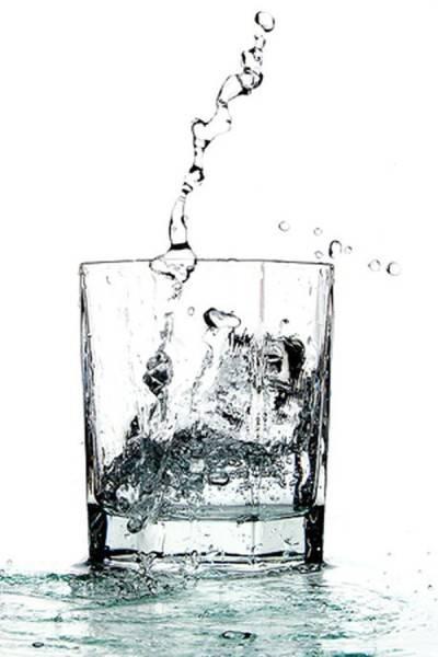 Serebryanaya voda v stakane
