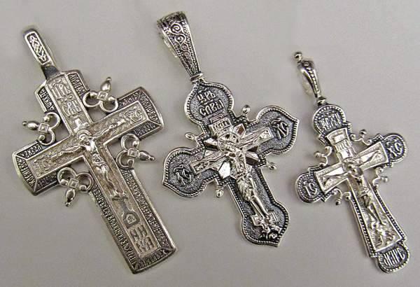 Три разных стиля исполнения крестов
