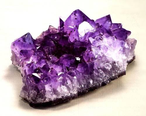 Камень аметист поражает своей красотой