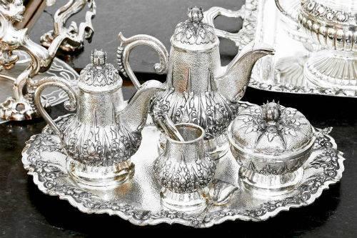 Серебряная посуда может стать лучшим подарком