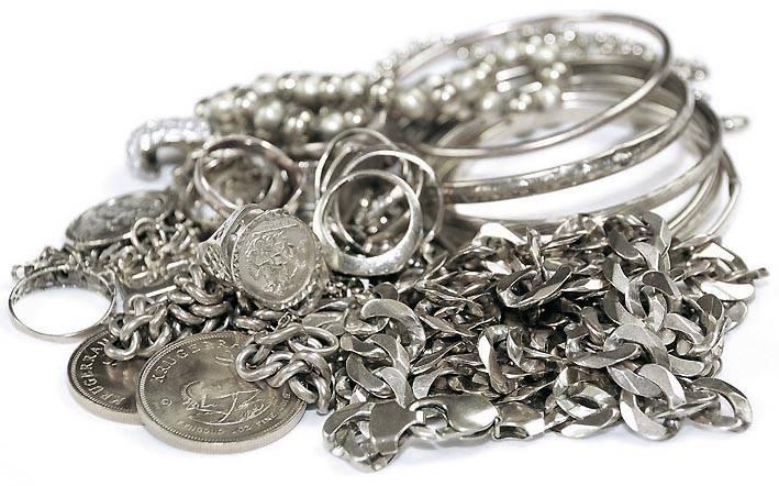 Украшения из серебра более доступны по цене
