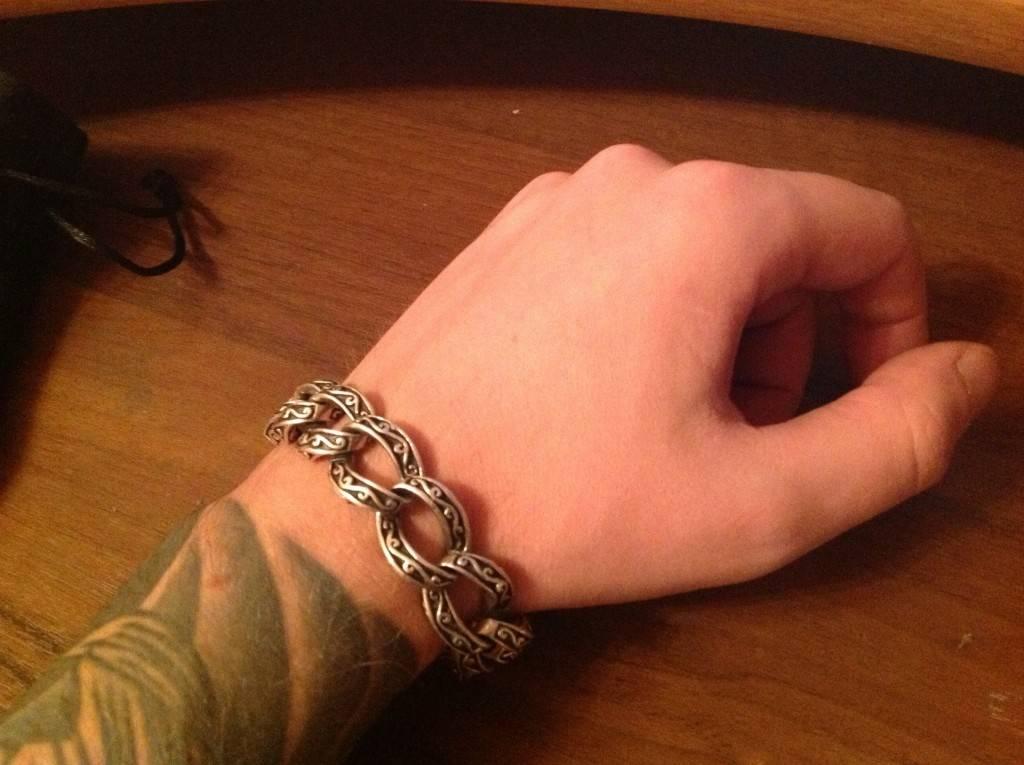 Оригинальный браслет в виде крупной цепи